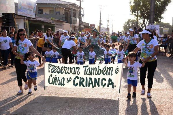 Desfiles em Santarém contagiam moradores do Diamantino-Nova República