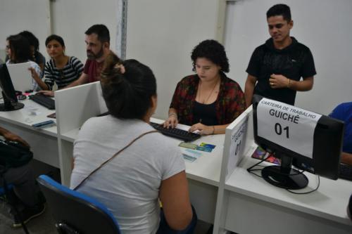 Setrab divulga 31 vagas de emprego nesta segunda (9), em Manaus
