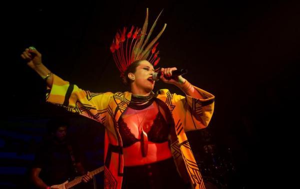 Com 'pocket show', Márcia Novo e Manoel Cordeiro debatem sobre ritmos amazônicos