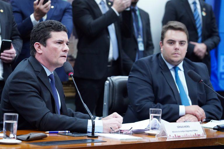 Oposição pede CPI da Lava Jato para investigar Moro e procuradores