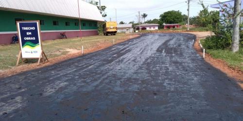 Seinfra asfalta ruas de dez bairros de Caapiranga