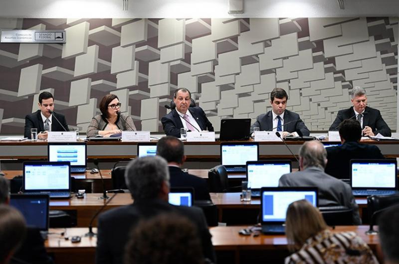 CAE aprova quatro indicados ao Cade e nomes vão ao Plenário