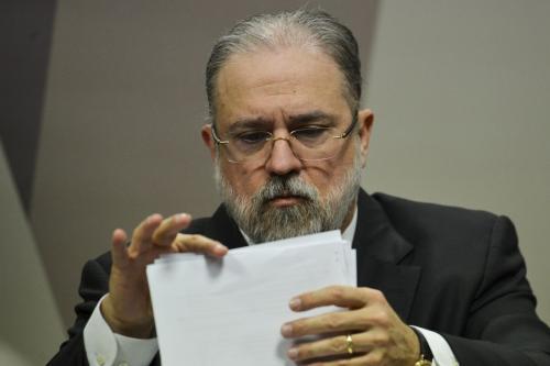 Plenário do Senado aprova indicação de Augusto Aras para PGR