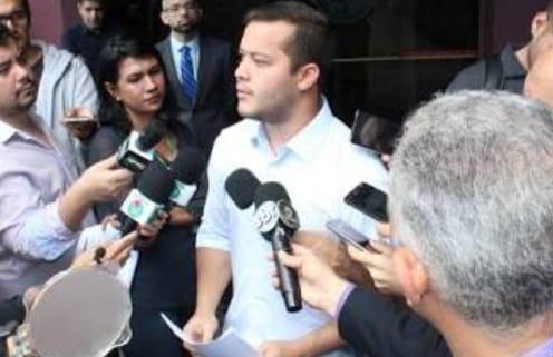 Adail Filho diz que 'restaurou dignidade de Coari' e que 'prisão é desnecessária'