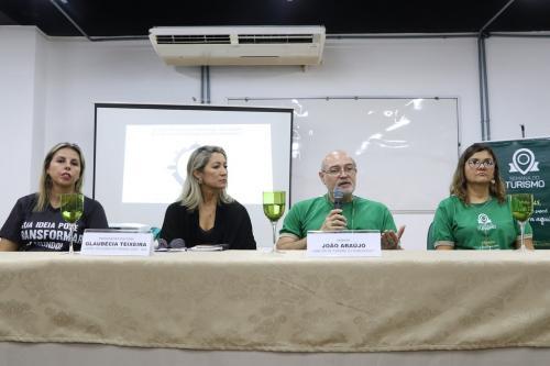 Apresentação de corais e diplomação encerram Semana do Turismo 2019