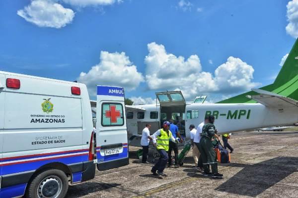 Wilson destina UTI aérea para Hospital de Carauari e entrega implementos agrícolas