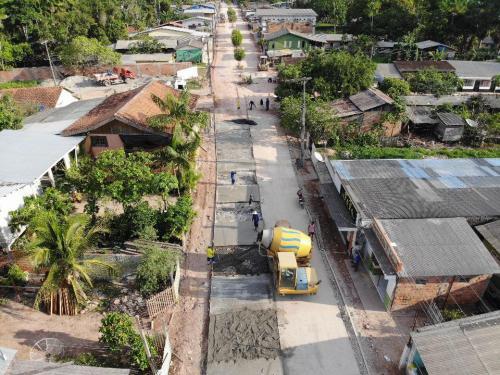Seinfra realiza obras de recuperação em ruas de Barreirinha