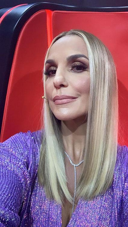 Ivete Sangalo surge loiríssima no The Voice e quebra a web