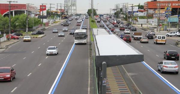 TJAM mantém faixa azul, exclusiva para ônibus, em Manaus