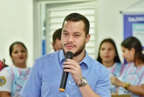 Adail Filho consegue licença da Prefeitura de Coari e ainda se livra de CPI