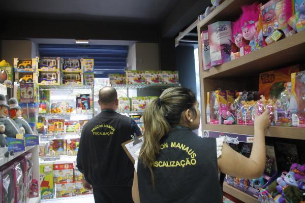 Operação \'Presente Seguro' autua lojas de brinquedos em Manaus