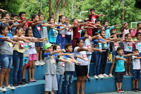Brincadeiras e diversão movimentam o parque Cidade da Criança, em Manaus