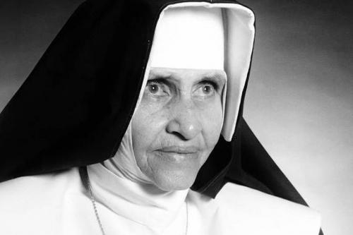 Irmã Dulce será reconhecida como santa neste domingo (13)