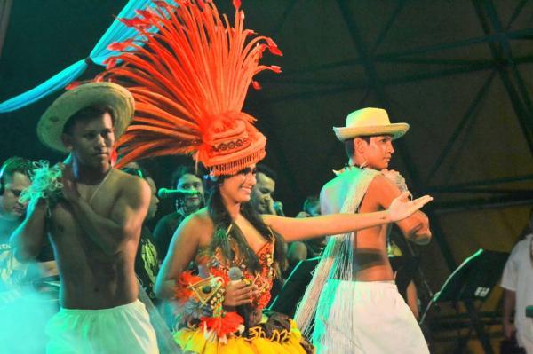 Vanessa Alfaia vence 'Interprete Revelação' no Festival de Toada de Parintins 2019