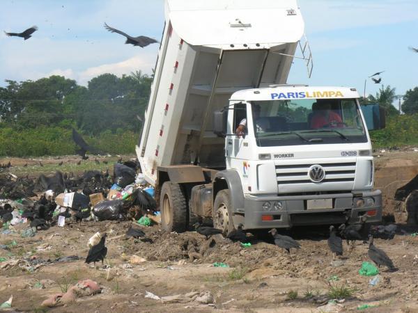 TCE firma TAG com Prefeitura de Parintins para resolver problemas do lixão
