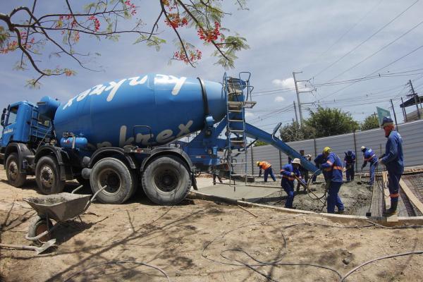 Trânsito de Manaus é alterado nas bolas da Samsung e Suframa para obras de recuperação