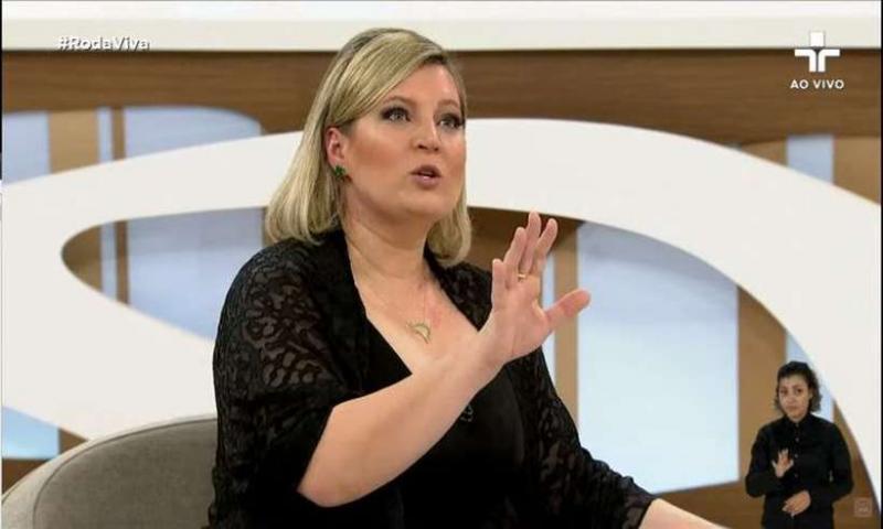 Joice Hasselmann diz que filhos de Bolsonaro têm rede de fake news com 1,5 mil perfis