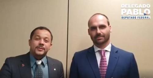 Delegado Pablo grava vídeo com Eduardo Bolsonaro e fala em 'mimimi'