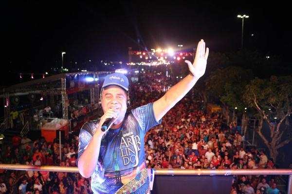 1ª noite do Boi Manaus atrai 18 mil pessoas na Ponta Negra