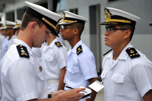 Marinha abre concurso com quase 400 vagas e salários de até R$ 10 mil