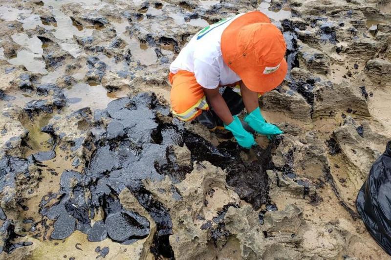 Governo Federal pede esclarecimentos a 11 países sobre origem do óleo