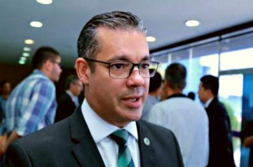 Josué Neto desiste de disputar a Prefeitura de Manaus
