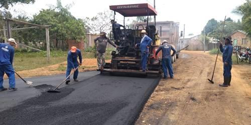 Obras do sistema viário de Novo Airão entram na reta final