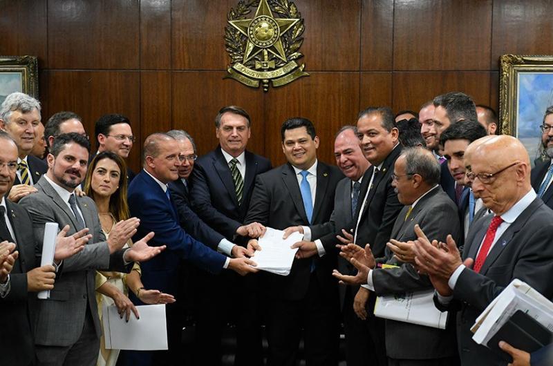 Pacote do Governo Federal prevê R$ 400 bilhões para estados e cidades