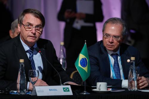 Plano Mais Brasil pode reduzir até 25% no salário de servidores; veja quem será afetado