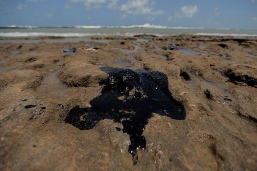Fragmentos de óleo chegaram a praia do Espírito Santo, diz Marinha