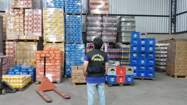 Caminhões com R$ 5 milhões em bebidas, sem nota, apreendidos pela Sefaz/AM