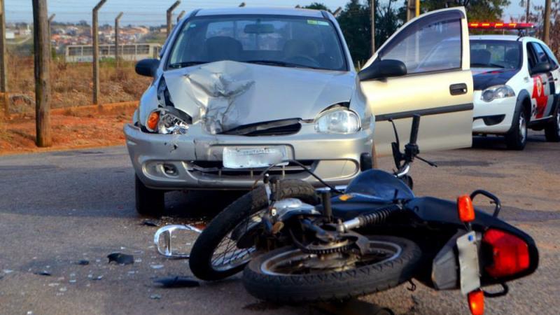 Bolsonaro acaba com DPVAT, que indeniza vítimas de acidentes de trânsito