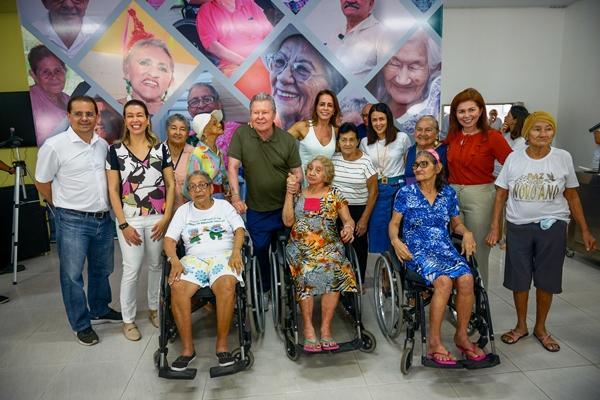Arthur entrega ampliação e modernização da Fundação Doutor Thomas, em Manaus