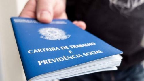Bolsonaro acaba com registro profissional para jornalistas e publicitários