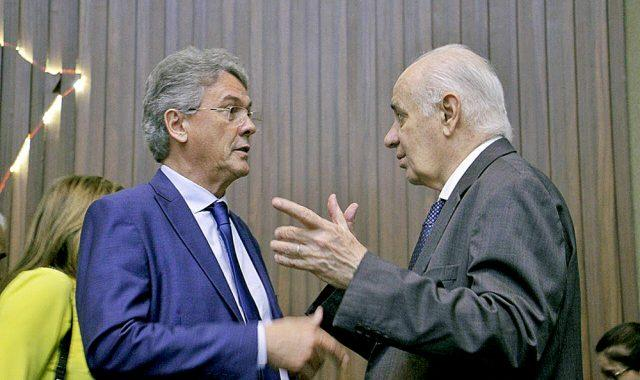 Serafim pede que presidente da AM Energia acabe com cobrança de contas em cartório
