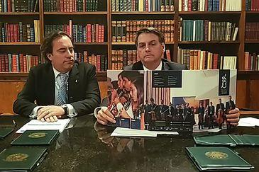 Saída do PSL é 'separação amigável', diz Bolsonaro