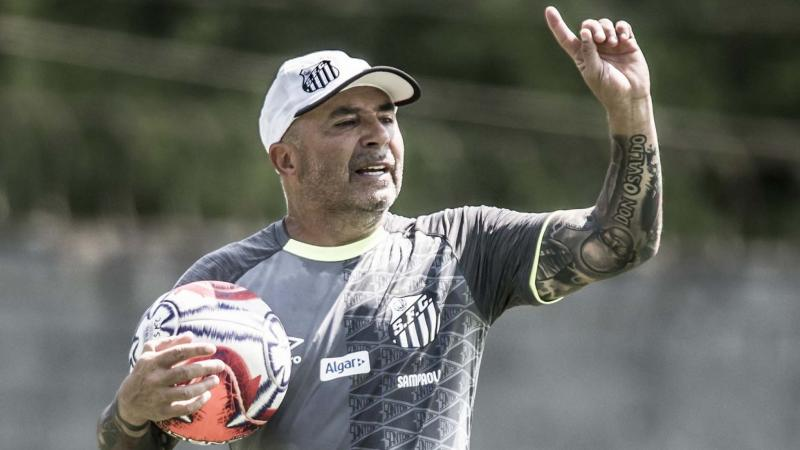Sampaoli ameaça deixar o Santos se for obrigado a cumprimentar Bolsonaro