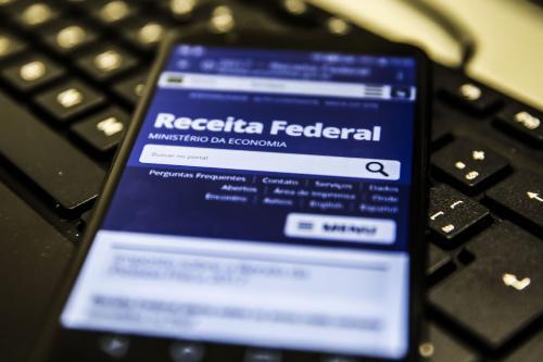 Receita paga hoje (18) as restituições do 6º lote do Imposto de Renda
