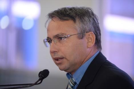 Alexandre Von tira Chiquinho da Umes e coloca Ney Santana na liderança do PSDB