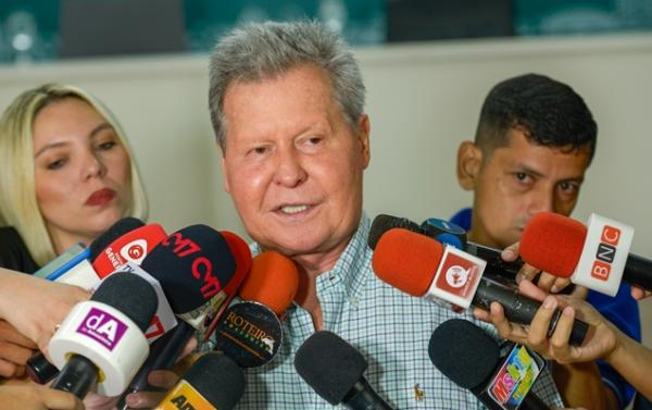 Prefeito de Manaus homenageia 500 aposentados em 'Obrigado, Servidor'