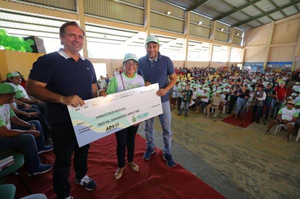 Wilson Lima anuncia o reajuste no preço da subvenção da juta e malva