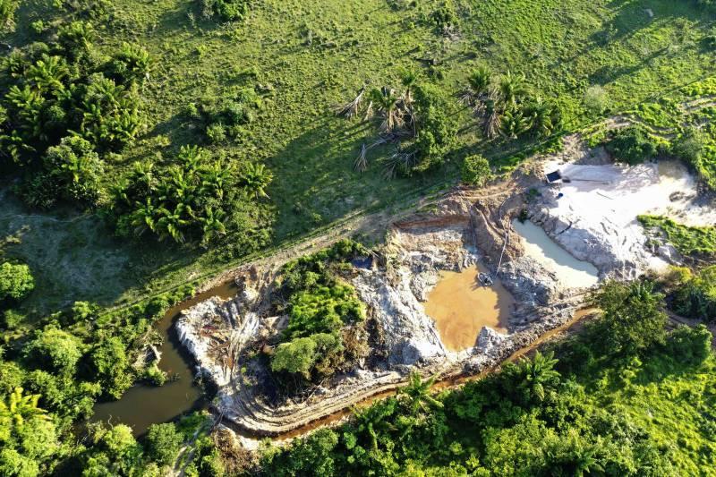 Operação fecha garimpo de ouro clandestino em Novo Progresso (PA)