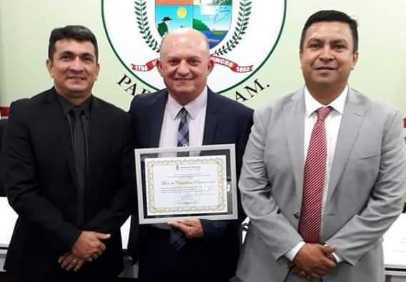 Agora é o líder do prefeito de Parintins que cobra contratos da gestão de Telo Pinto