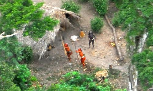 MPF pede multa à União, por não prestar apoio a indígenas isolados do Vale do Javari (AM)