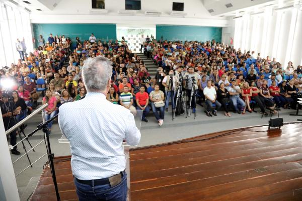 Prefeito anuncia entrega de 500 casas do conjunto Manauara 2