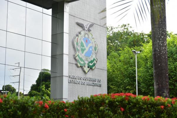 Governo do AM vai pagar R$ 8,4 milhões para 3,3 mil enfermeiros e técnicos terceirizados