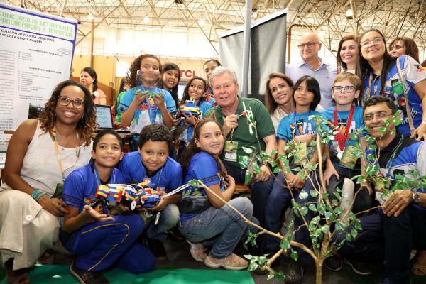 Na FesPIM, Arthur diz que desenvolvimento da Amazônia passa pela garantia na educação