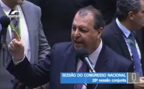 Omar denuncia ANAC e Passaredo/MAP ao Cade e convoca para se explicarem no Senado