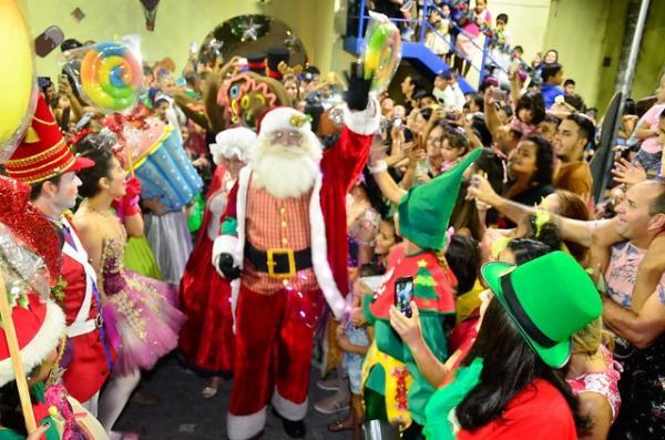 Chegada do Papai Noel abre a programação de Natal no parque da Criança