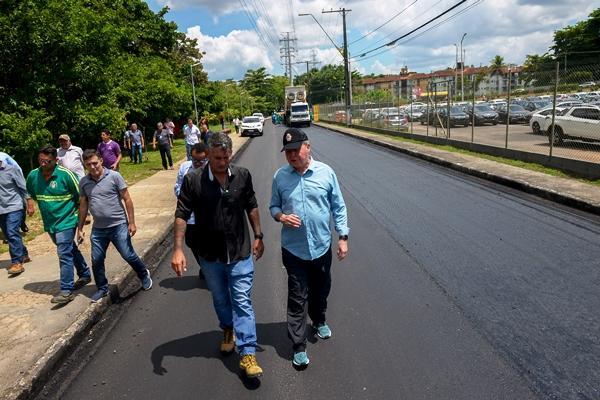 'Requalifica 2' leva recapeamento a corredores viários do Parque Dez, em Manaus
